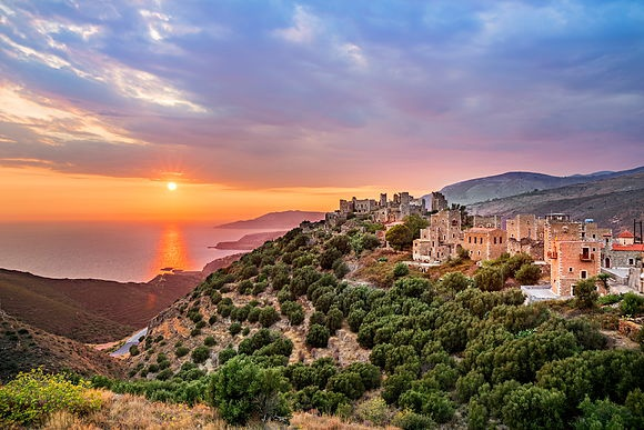 New Images > Peloponnese The Greek peninsula in photographs by Reinhard Schmid