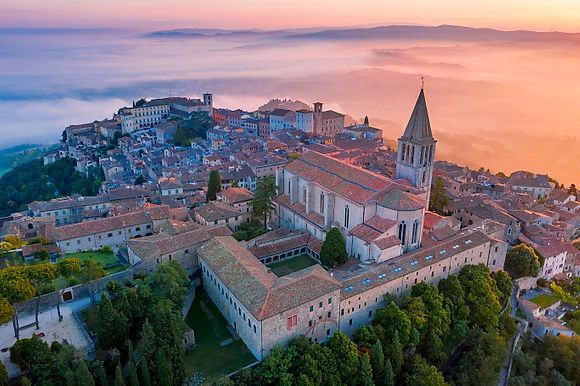 NEW IMAGES > Flying over Umbria Spectacular views in the latest photos by Maurizio Rellini