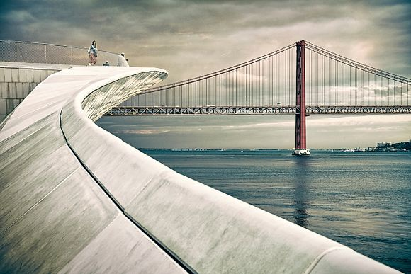 NEW IMAGES > Lisbon The Portuguese capital photographed by Massimo Ripani