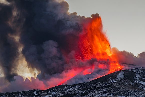 NEW IMAGES > Eruption of Etna The spectacular activity of the Sicilian volcano in the latest photos by Alessandro Saffo and Antonino Bartuccio