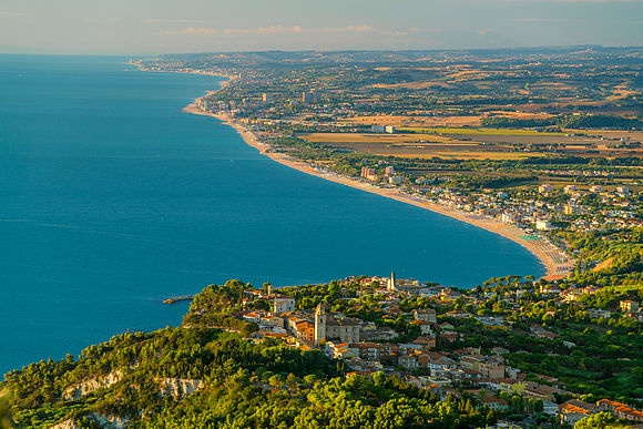 New Images > Marche: Italy's best-kept Secret Nature and Cities of Art and Culture in photos by Giorgio Filippini