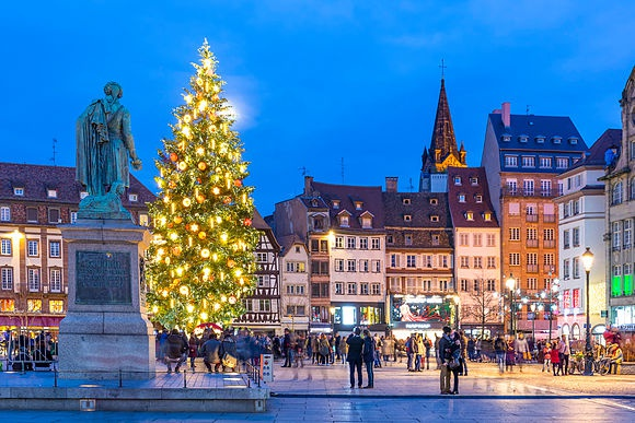 New Images > Christmas in Alsace The picturesque towns of Colmar, Riquewihr and Strasbourg in lights
