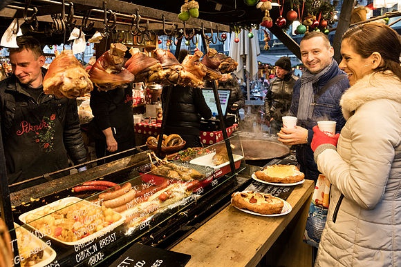 New Images > Gourmet Christmas in Budapest Christmas Specialties of the Capital of Hungary