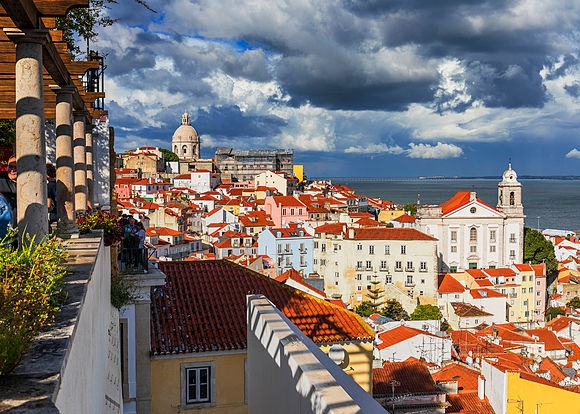 New Images > Lisbon The Portuguese capital seen by Luigi Vaccarella